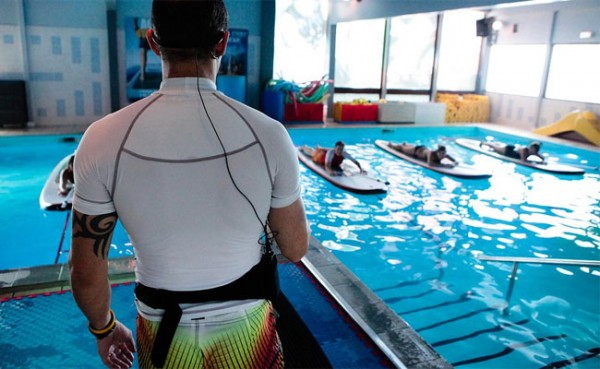 aqua-stand-up-paddle-piscine-600x369